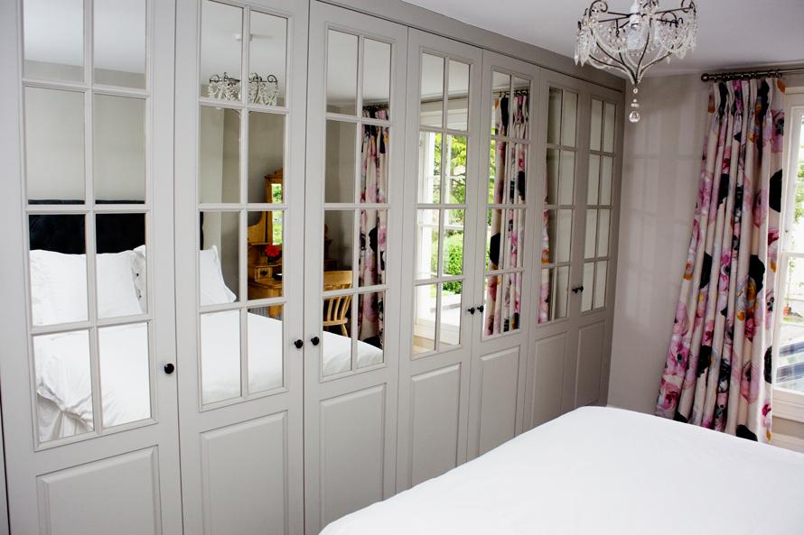 lounge bedroom office dining room kitchen bespoke. Black Bedroom Furniture Sets. Home Design Ideas
