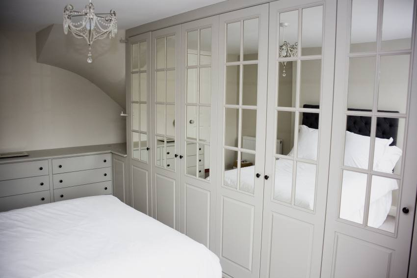 Bespoke fitted bedroom wardrobes and Design from White Willow Furniture