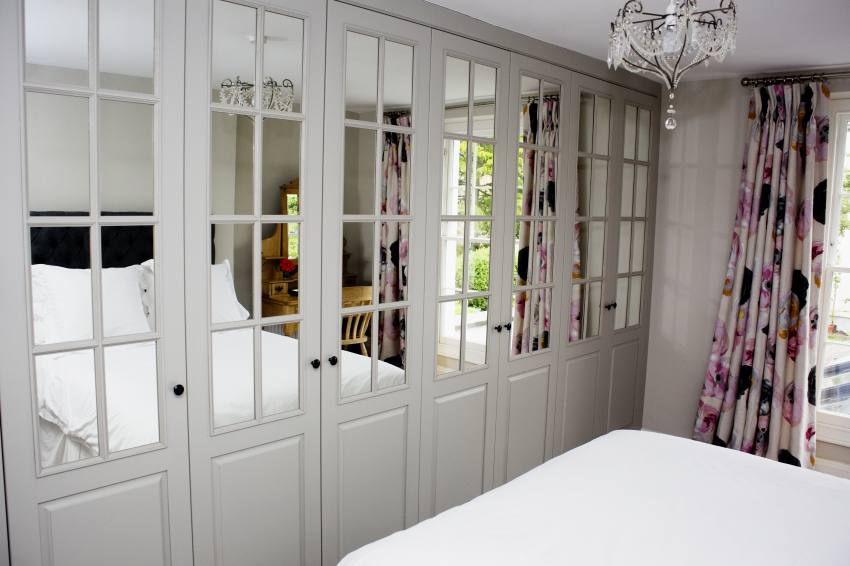 bespoke fitted bedroom wardrobes and design from white. Black Bedroom Furniture Sets. Home Design Ideas