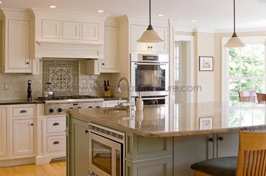 Exceptionnel Bespoke Kitchen With Island