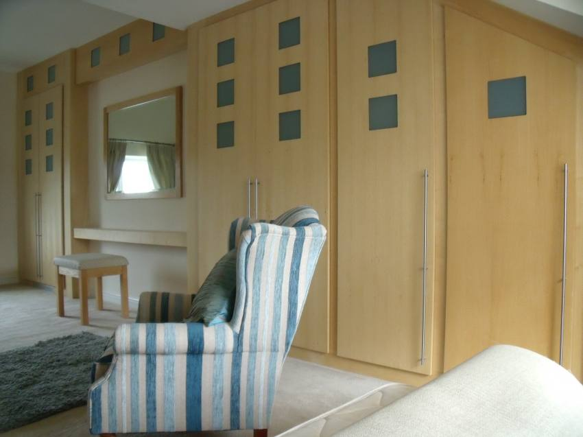 Bespoke Fitted Bedroom Wardrobes And Design From White
