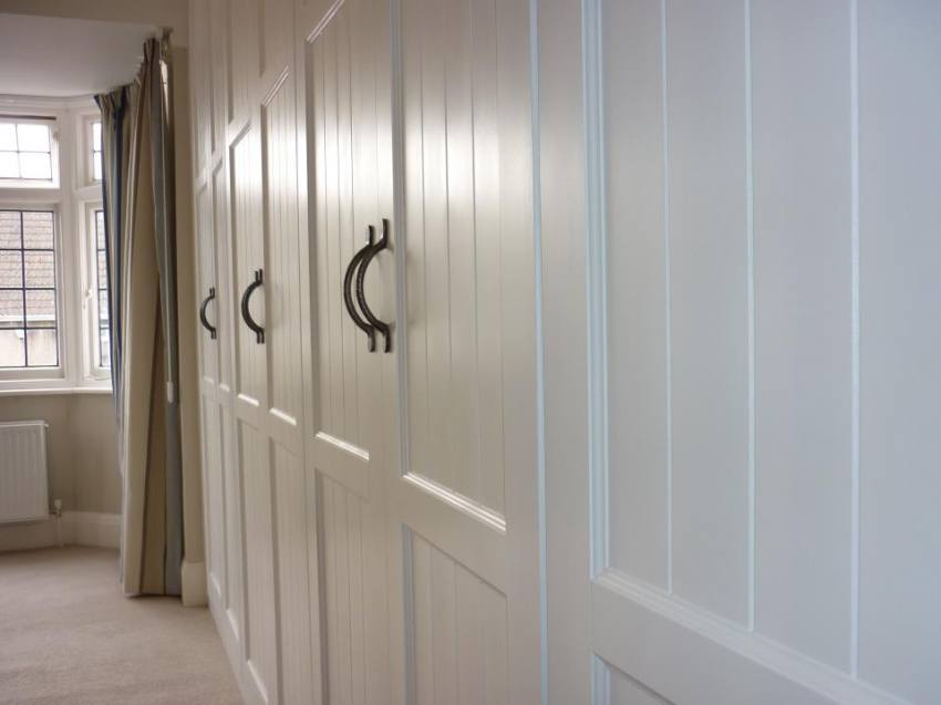 New England Style Fitted Wardrobes.